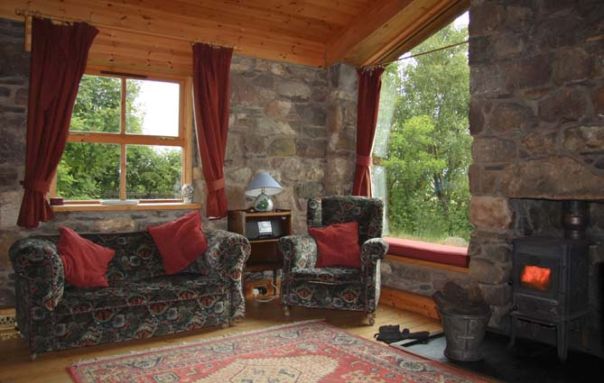 Turf House self catering, Achnahaird, sleeps 2